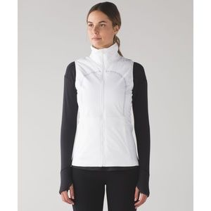 Lululemon White Run For Cold Insulated Puffer Vest